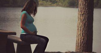 Comment calculer sa date de congé maternité et ses indemnités